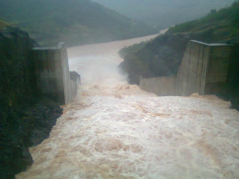 Se destruyó la represa yacyreta